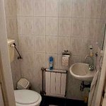 Water closet (1/2 bath)
