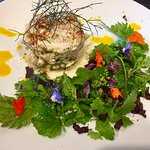 Nage de thon, figues rôties et glace vanille, tartare de crabe
