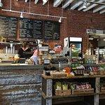 Photo de Main Streets Market & Cafe