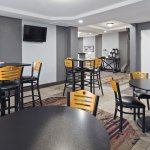 Best Western The Inn At Rochester Airport Photo