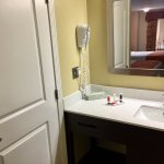 Rm # 319. September 2017 Super clean, quiet and comfortable!! Friendly staff, fast wifi and warm