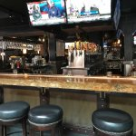 Henry's 12th Street Tavern