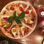 Heirloom Tomato & Burrata Pizza