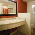 Courtyard by Marriott Kingston Highway 401 / Division Street Foto