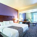 Photo de La Quinta Inn & Suites Bowling Green