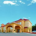 Photo of La Quinta Inn & Suites Huntsville Airport Madison