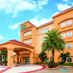 Photo de La Quinta Inn & Suites Houston Bush Intl Airport E
