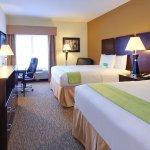 Photo of La Quinta Inn & Suites Memphis Wolfchase