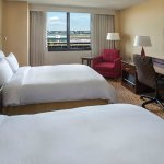 Photo of New York LaGuardia Airport Marriott