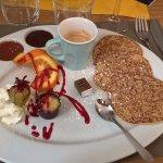 Café gourmand. Les trois petites crêpes sont délicieuses