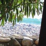 Jolie Petite plage de galets au calme