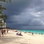 Spiaggia con croceristi