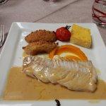 Plat du jour (eglefin, quenelles de choux-fleur, carottes, polenta)