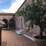 Otra esquina del claustro de la Madonna dell'Orto
