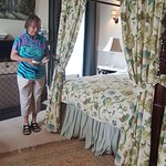 Four poster queen beds