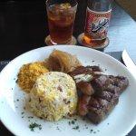 Picanha 300g, acompanhada de Arroz Biro-Biro (arroz branco, batata palha, bacon e ovo mexido), f
