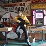 The Knuckle Saloon resmi