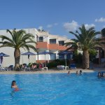 Photo de Adele Beach Hotel Bungalows