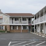 Motel - all rooms face the parking lot
