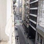 Vista desde mi habitación a la calle Suipacha