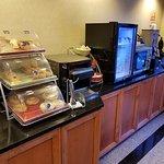 Desayuno tipo buffet de 7 a 10am