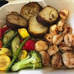Broiled scallops, mixed grilled veggies and greek potatoes. Delicious!