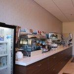 Photo of Holiday Inn Express & Suites Davis - University Area