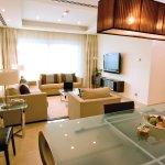 Apartments Living Room at Bonnington Jumeirah