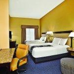 Foto de La Quinta Inn & Suites Mt. Laurel - Philadelphia