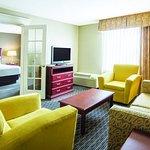 Photo of La Quinta Inn & Suites Indianapolis South