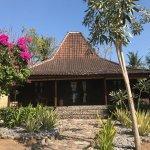 Foto de Desa Dunia Beda Beach Resort