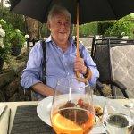 Een klein regenbuitje en een paraplu als extra service