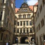 Zufahrtsstrasse zum Hotel, Schlossstrasse