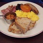 Rouge breakfast