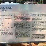 Hinweistafel zur Yacht AIDA