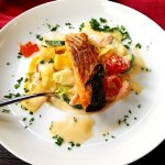 Tagliatelle mit Lachs und Zucchini