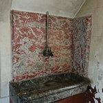 Au décours de la visite, les vestiges d'une cuisine qui a traversé le temps