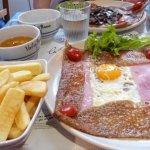 Galette Bretonne des frites et du cidre