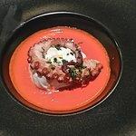 Burrata, crème de tomate e poulple grillé