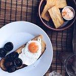 Joe Beef Mushrooms, Fried Egg & Bread with Potato Cakes