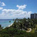 Photo de Waikiki Shore
