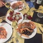 Paella en la piscina y mariscada en la cena de Gala que se hace el viernes