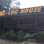 Photo de One Log House