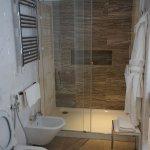 King Deluxe room (515) bathroom