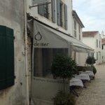 Le restaurant et sa petite terrasse