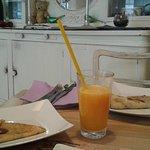 palacinke e succo d'arancia