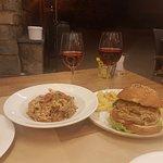 Risotto de verduras y hamburguesa de quinoa