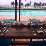 mesa con vista de la playa