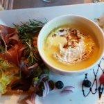 Fondue de camembert et sa salade (entrée)