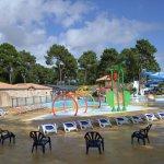 Les bassins communiquent avec la piscine couverte